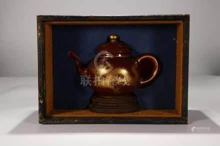 China, Red Glaze Pot