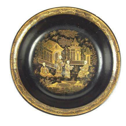 A Chinese gilt decorated black lacquered bowl, 19th century.