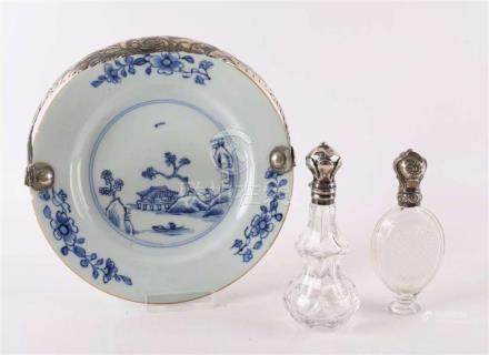 A blue / white porcelain dish with silver handle, China, Qia