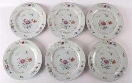 Een serie van zes porseleinen famille roze borden, China Qia