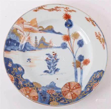 A porcelain Chinese Imari dish, China, Qianlong 18th century