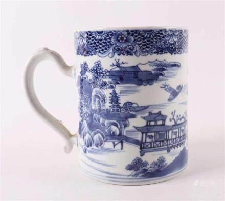 A blue / white porcelain Chine de commande beer mug, China,