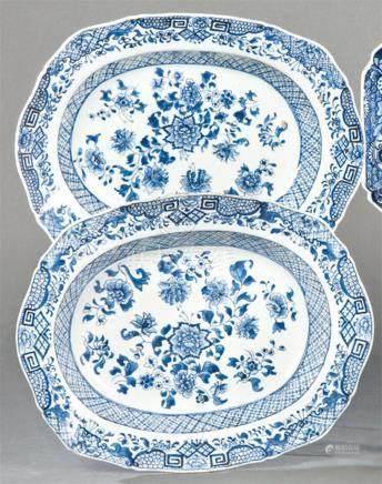 Pair of deep oval dishes in blue and white porcelain from Ea