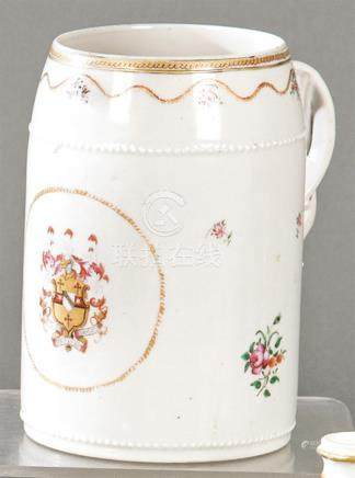 Cup in emblazoned porcelain from East India Company from Fam
