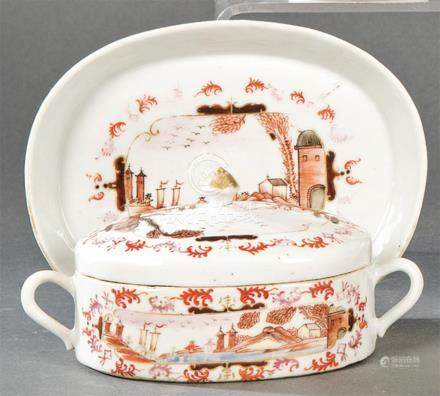 Terrine with tray in porcelain from East India Company, in g