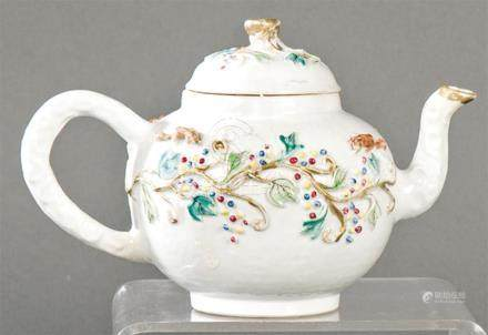 Teapot in Chinese porcelain with polychrome glazing, Qing Dy