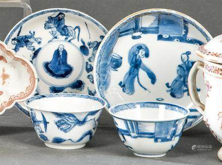 Pair of bowls with plate in Chinese blue and white porcelain