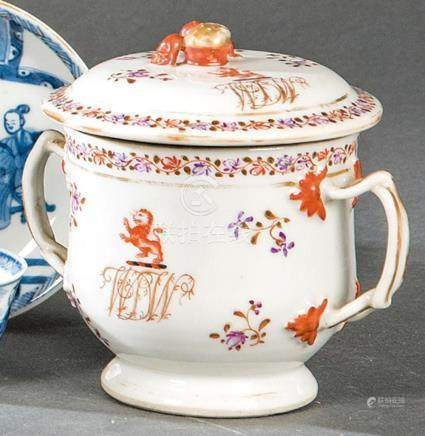 Sugar bowl in Famille Rose porcelain from East India Company