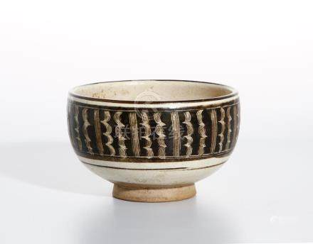Fine Chinese Cizhou Brown Glazed and Incised Bowl