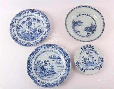 A lot of diverse blue / white porcelain plates, China, Qianl