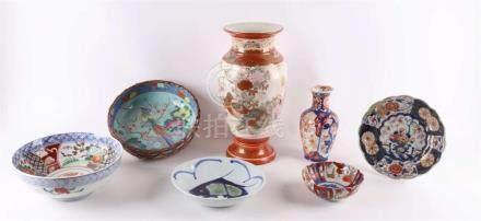 A lot of diverse Japanese porcelain, by Imari, Japan, Meiji,