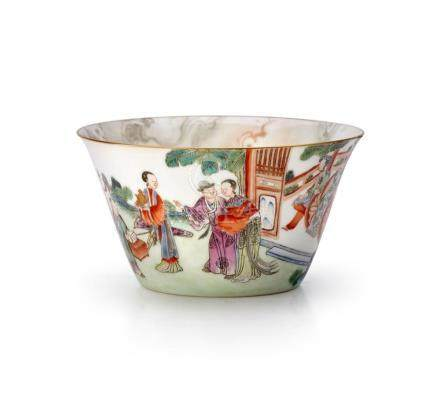 A FAMILLE-ROSE BOWL QING DYNASTY, 19TH CENTURY 11 cm diamete