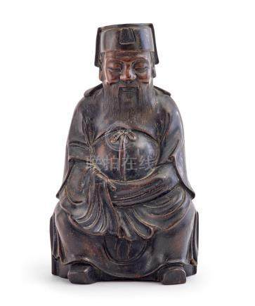 A HARDWOOD FIGURE OF A DIGNITARY, 19TH/20TH CENTURY 26 cm hi