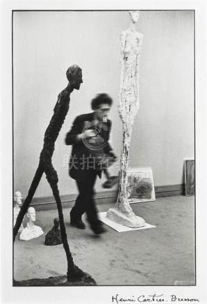 HENRI CARTIER-BRESSON 1908-2004 Alberto Giacometti à la Gale