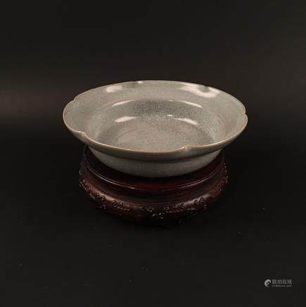 Chinese Ge Type Porcelain