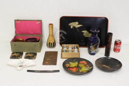 Lot of Japanese porcelain and lacquer pieces