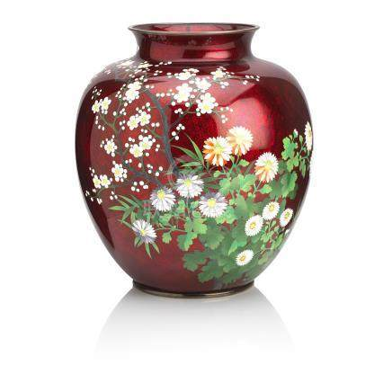 A red ginbari and cloisonné enamel vase  Signed Shuei for the Ando Company, Taisho/Showa