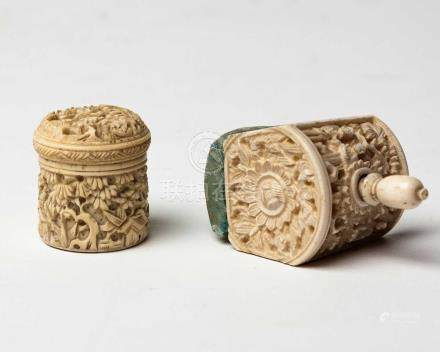 A CHINESE CANTON CARVED IVORY TABLE-CLAMP PINCUSHION, QING DYNASTY, 19TH CENTURY NOT SUITABLE FOR