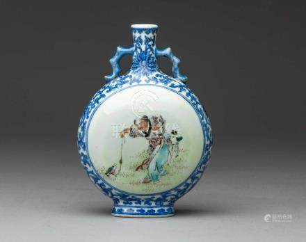 A CHINESE FAMILLE ROSE AND UNDERGLAZE-BLUE MOONFLASK, 'BIANHU', REPUBLIC PERIOD, 1912 - 1949