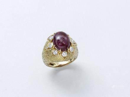 Bague dôme en or 750 millièmes guilloché,…