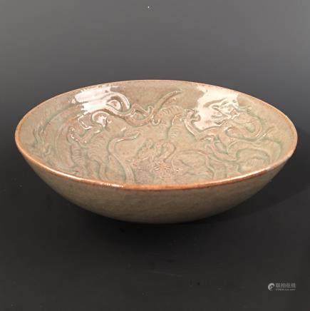 Chinese Celdon Glazed 'Draon' Bowl