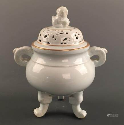 Chinese White Glazed Gilt Rim 'Ruishou' Tripod Censer, Qianlong Mark