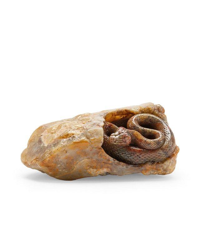 庄南鹏作 寿山石红斑蛇摆件