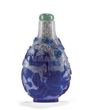 十九世紀 透明地套藍料劉海戲金蟾鼻煙壺