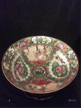 Massive Late 19th Century Chinese Export Rose Medallion