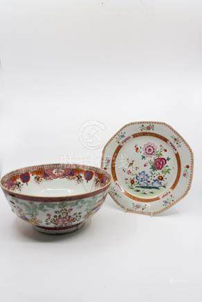 An 18th century Chinese export bowl, famille rose, the exterior with pink trellis border above loose