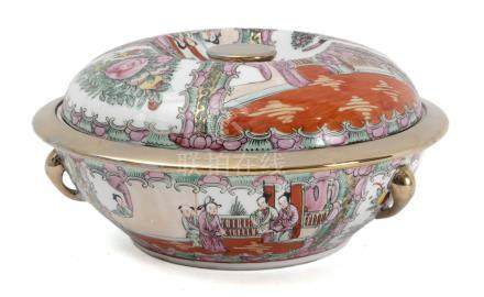 A second half of 20th century Chinese tureen in Canton Famille Rose porcelain
