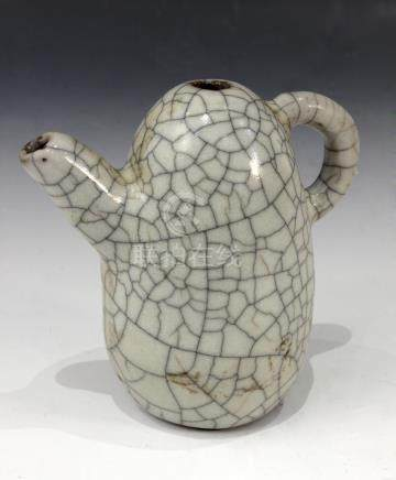 A 19th century Chinese teapot in Ge Yao porcelain from Qing period