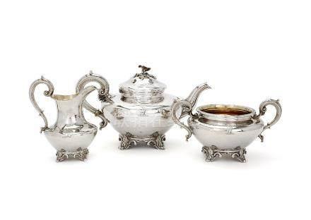 ϒ An early Victorian silver three piece baluster tea service by Edward,Edward junior, John & William