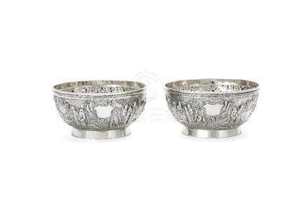 A pair of Chinese export silver small circular bowls by Wang Hing