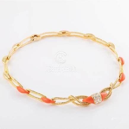 VAN CLEEF & ARPELS. Coral diamond and yellow-gold