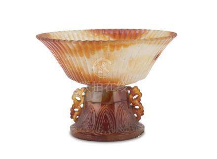 BIG CHALCEDONY STEM CUP, CHINA FIRST HALF OF THE 20TH CENTURY