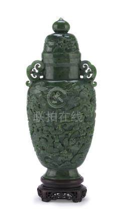 IMPORTANT POTICHE IN JADE, CHINA 19TH CENTURY entirely sculpted and engraved with wide landscape