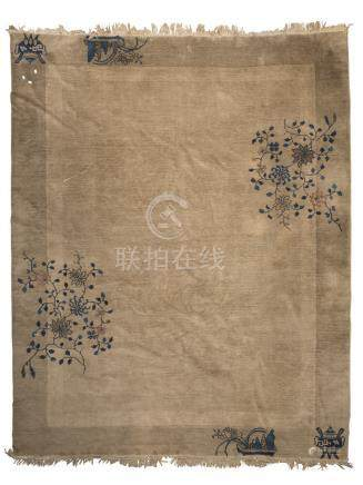 BEAUTIFUL CHINESE CARPET, PEKING LATE 19TH CENTURY with empty field, border decorated with