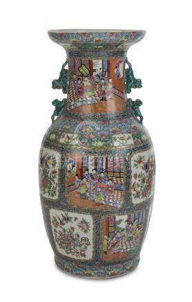 BIG PORCELAIN VASE IN POLYCHROME ENAMELS, CHINA 20TH CENTURY decorated with birds, court scenes