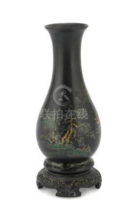 VASE IN BLACK LACQUERED WOOD, CHINA EARLY 20TH CENTURY decorated with a wide landscape with figures,