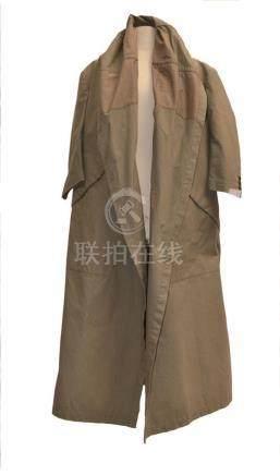 COMME DES GARCONS: Long manteau en toile…