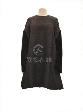 JUNYA WATANABE COMME DES GARCONS : Robe asymétrique…