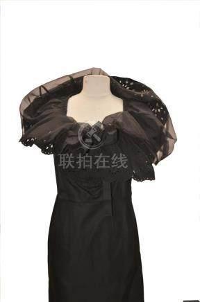COMME DES GARCONS : Robe droite noire à grande…