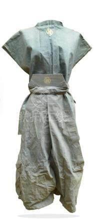 KIMONO en tissu bleu clair avec mon du clan…