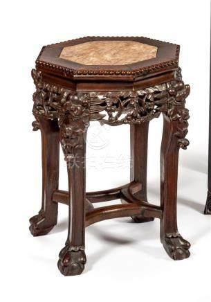 TABOURET-SELLETTE octogonale en bois exotique.…