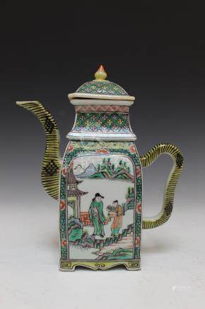 Chinese famille verte porcelain teapot, possibly Kangxi