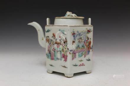 Chinese famille rose porcelain teapot, Tongzhi mark,