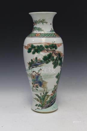 Chinese famille verte porcelain vase, mark on the