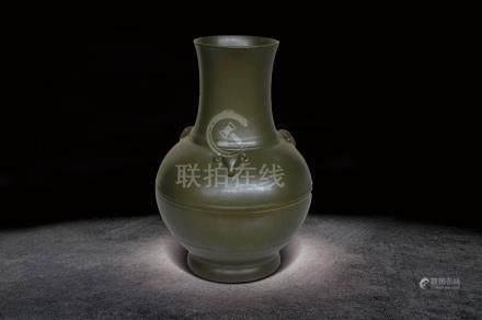 清  茶葉末釉三羊瓶