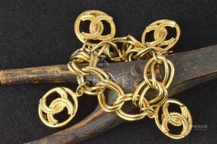 Bracelet en métal doré COCO CHANEL